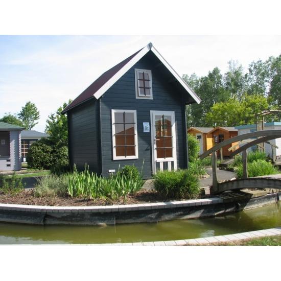 Donner un style rustique son jardin blog chalet center for Brocante jardin anglais